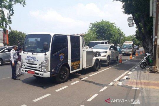 Dishub tertibkan parkir liar di dekat Labschool Rawamangun