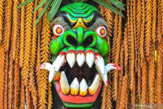 Tarian khas Ciamis di festival Rengkuh Galuh