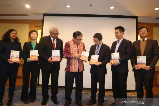 Profesor China terbitkan buku tentang Indonesia
