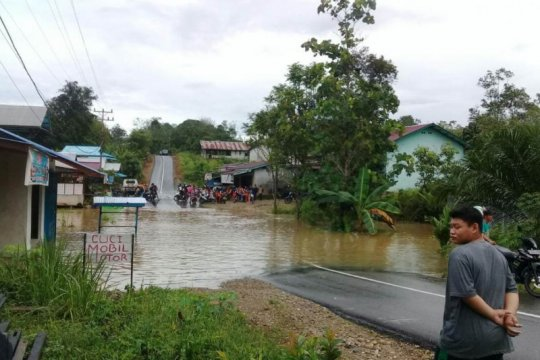 Banjir Tepuai surut transportasi Pontianak - Putussibau normal