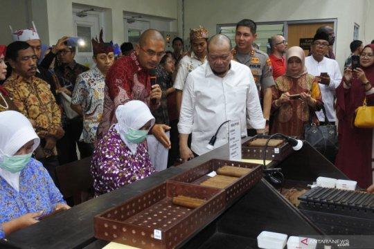 Ketua DPD resmikan pabrik cerutu di Jember