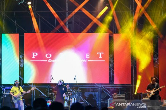 """Potret """"say no to kewer-kewer"""" di The 90's Festival"""