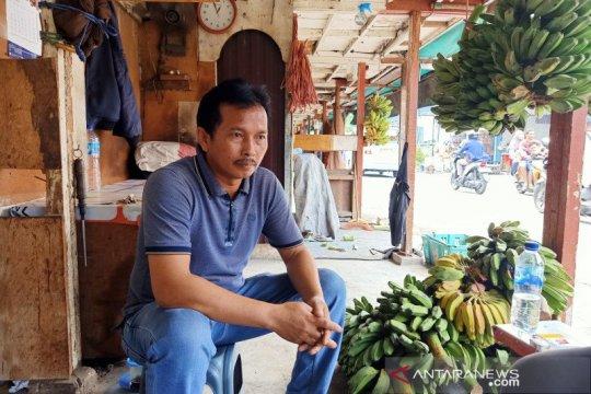 Pedagang pisang Pisangan Timur berharap direlokasi