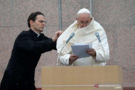 Dalam pesan Natal, Paus sebut bela migran hingga panggilan perdamaian