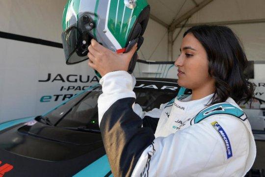 Pakai Jaguar I-PACE, Reema Juffali pebalap wanita pertama Arab Saudi