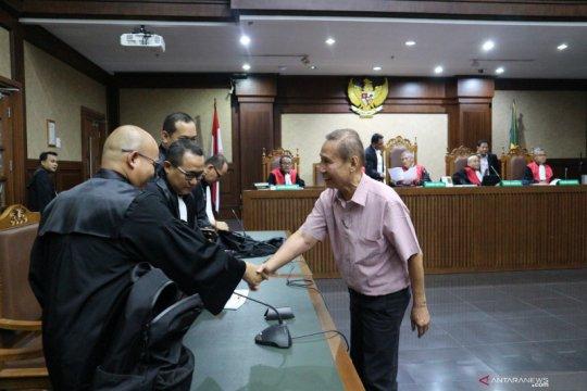 Pengusaha gula Pieko didakwa suap Dirut PTPN III Rp3,55 miliar