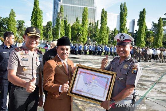 Polisi Pekanbaru dapat penghargaan karena membangun sekolah di pelosok