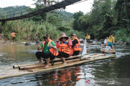 Lanting Paring Sungai Amandit jadi atraksi di Festival Loksado Kalsel
