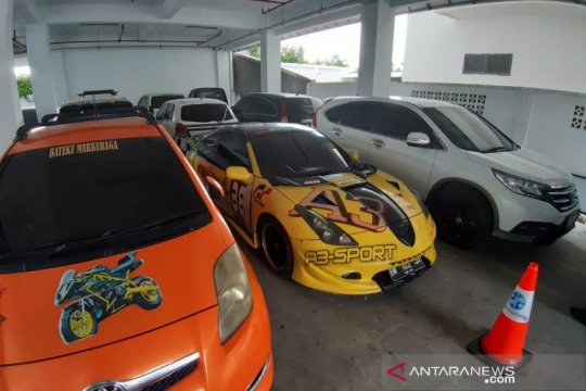 Kejagung sita kendaraan mewah bandar narkoba Pekanbaru