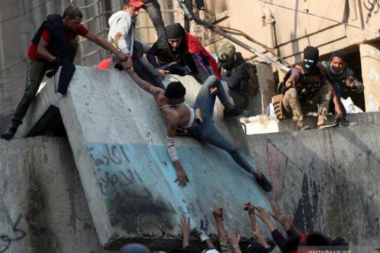 Pasukan Irak bunuh delapan pemrotes, pihak berwenang bendung kerusuhan