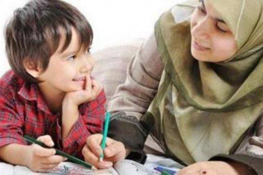 Psikolog: Pola asuh anak dimulai dari ibu yang bahagia
