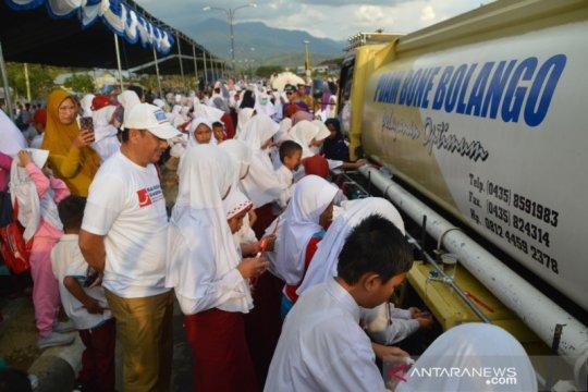 1.000 siswa SD sikat gigi massal di Bone Bolango