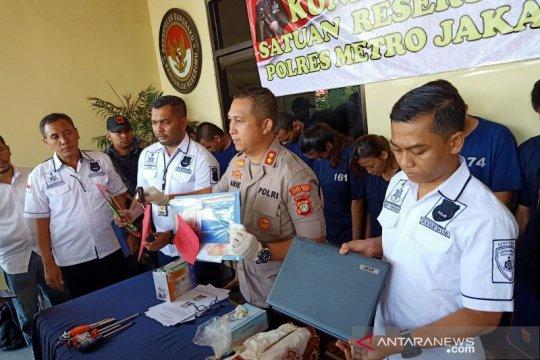 Polisi bekuk komplotan pencuri mobil di rumah kosong Pulogadung