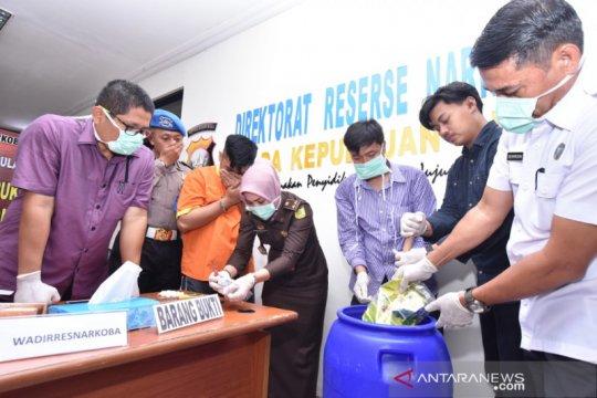 Polda Kepri memusnahkan 1.220,7 gram sabu-sabu