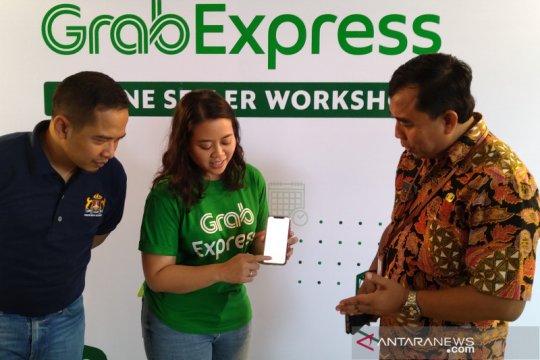 Pelaku bisnis UMKM di Semarang dilatih pemasaran secara daring