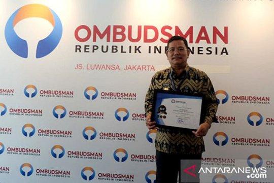 Sekadau terima penghargaan predikat kepatuhan tinggi Ombudsman RI