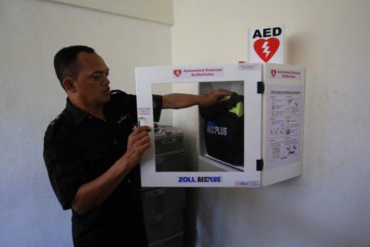 Fasilitas publik Surabaya dilengkapi alat pacu jantung