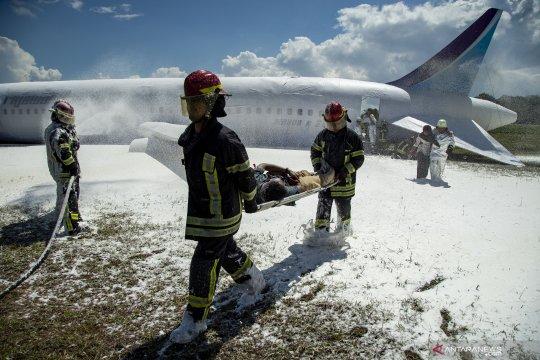 Simulasi penanggulangan kecelakaan pesawat di Batam