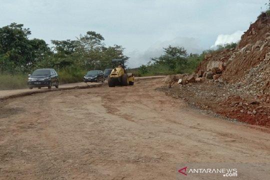 Bupati Jayapura keluhkan mandeknya pembangunan jalan Sentani-Depapre