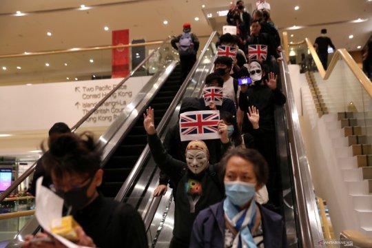 Status WN Inggris untuk Hong Kong disebut langgar hukum internasional