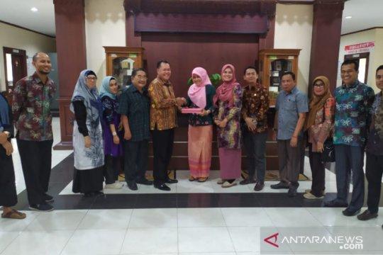 Banjarmasin diminta contoh Kota Bekasi dalam sejahtera guru honorer