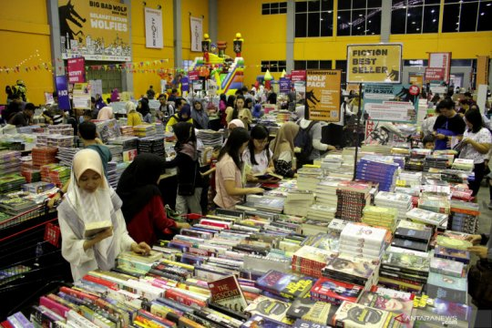 Hari ini ada bazaar buku sampai kuliner