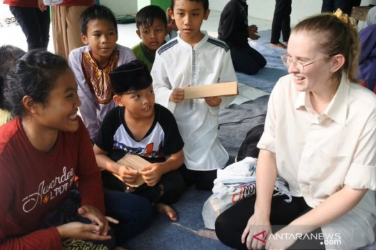 Tiga mahasiswa asing di IPB berbagi kebahagiaan dengan anak yatim