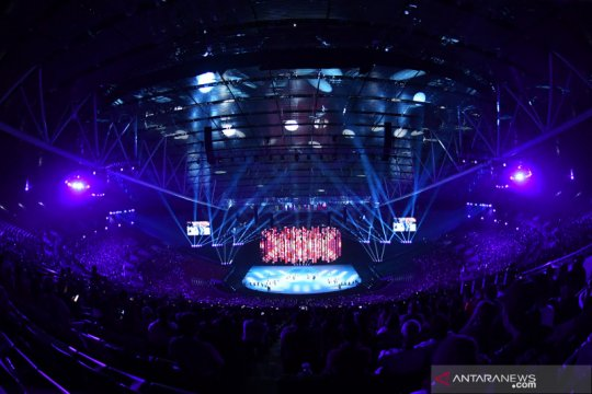 Penyalaan obor Manny Pacquiao akhiri pembukaan SEA Games 2019