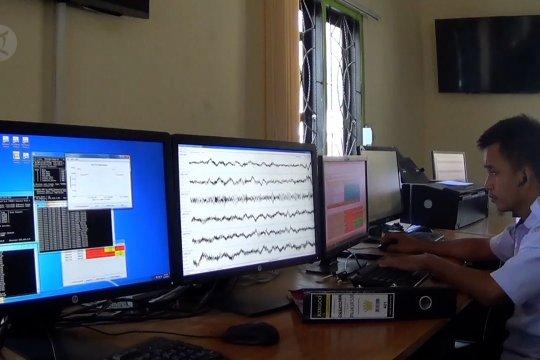 Cegah pencurian, BMKG Palu pasang alat pendeteksi gempa di perkantoran