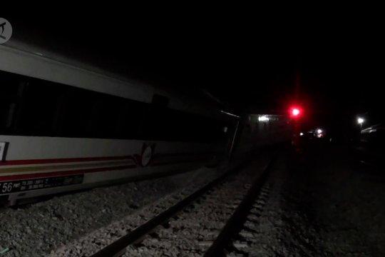 Kereta Api Wijayakusuma anjlok di Magetan