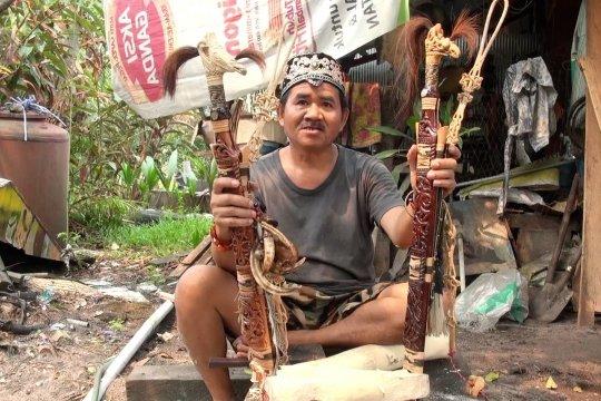 Mengenal senjata Mandau khas Kalimantan yang disakralkan