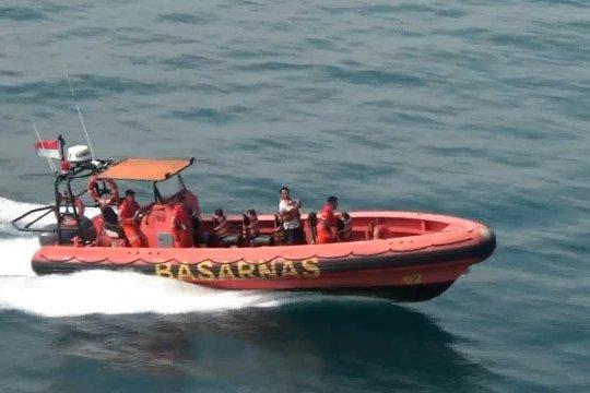 Tim penyelam cari 3 wisatawan asing yang hilang
