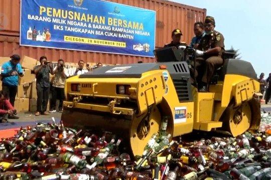 Bea Cukai Banten musnahkan miras & rokok ilegal senilai Rp3,16 miliar