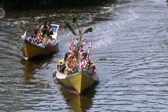 """Maulid """"Jolloro"""" daya tarik wisata Rammang-Rammang"""