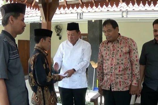 Santri viral peramal Prabowo jadi menteri kembali mondok