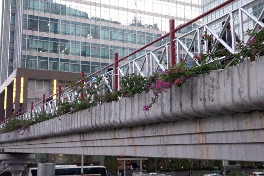 Tanggapan masyarakat terhadap JPO Sudirman tanpa atap