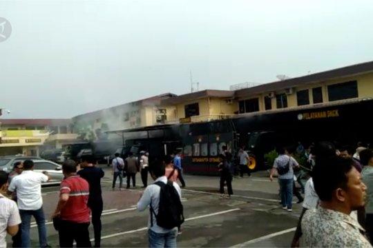 Bom bunuh diri di Polrestabes Medan - FLASH