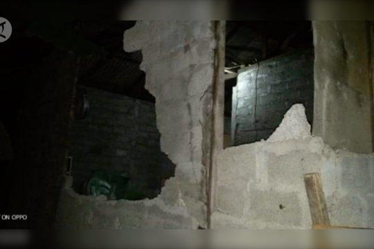 Gempa di Maluku Utara  rusak 30 rumah di Pulau Batang Dua