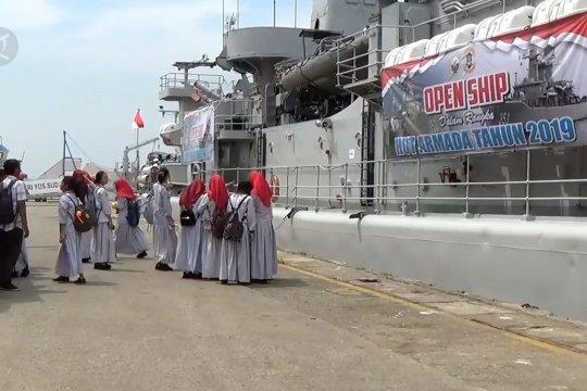 KRI Yos Sudarso 353 dibuka untuk umum