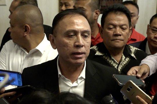 Resmi jadi Ketum PSSI Iwan Bule klaim komit berantas mafia bola