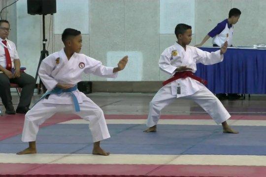 Kejurnas karate berhadiah beasiswa sarjana