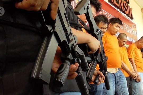 Polisi tembak mati bandar narkoba di Kepri
