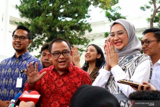 Jokowi diskusi dengan stafsus bahas pembagian tugas