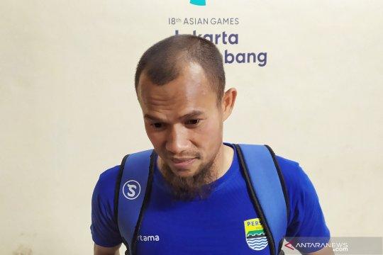 Ahmad Jufrianto lebih pas mengisi bek tengah Persib