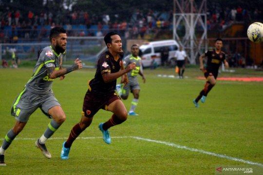 Diego Michiels: pemain muda harus malu jika bermain karena regulasi