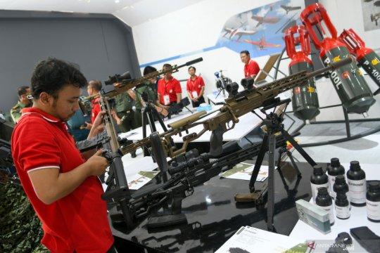 """Memacu industri alat pertahanan dan keamanan Indonesia """"Go ASEAN"""""""