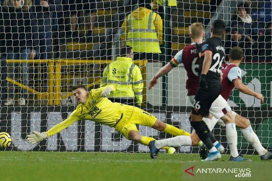 Manchester City bungkam Burnley dengan skor telak 4-1