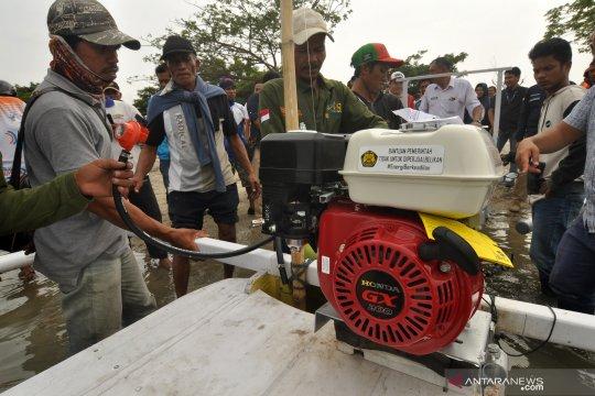 Pemberikan paket konverter BBM ke BBG bagi nelayan di Palu