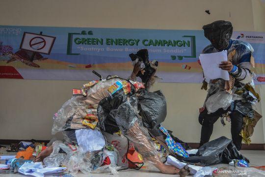Aksi teatrikal sampah plastik