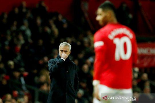 Manchester United vs Tottenham Hotspur, Mourinho rasakan kekalahan pertama